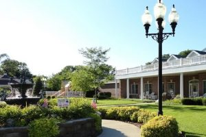 Image Gallery | Senior Living Community Fountain and Lamp Post